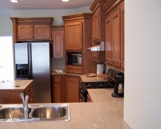 Quebec custom kitchen cabinets for Andre julien kitchen cabinets
