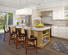 Domestic Kitchens - Custom Kitchen Cabinets