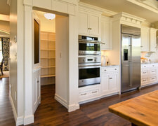 Mountain Cabinets And Custom Furniture - Custom Kitchen Cabinets