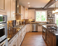 Cabinets & Appliances - Custom Kitchen Cabinets