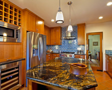 Bowman's Custom Cabinetry - Kitchen Pictures