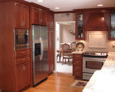 Curbside Cabinets - Custom Kitchen Cabinets