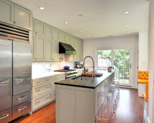 Borer John - Custom Kitchen Cabinets