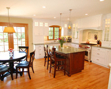 Funktional Space Interior Decorating - Custom Kitchen Cabinets